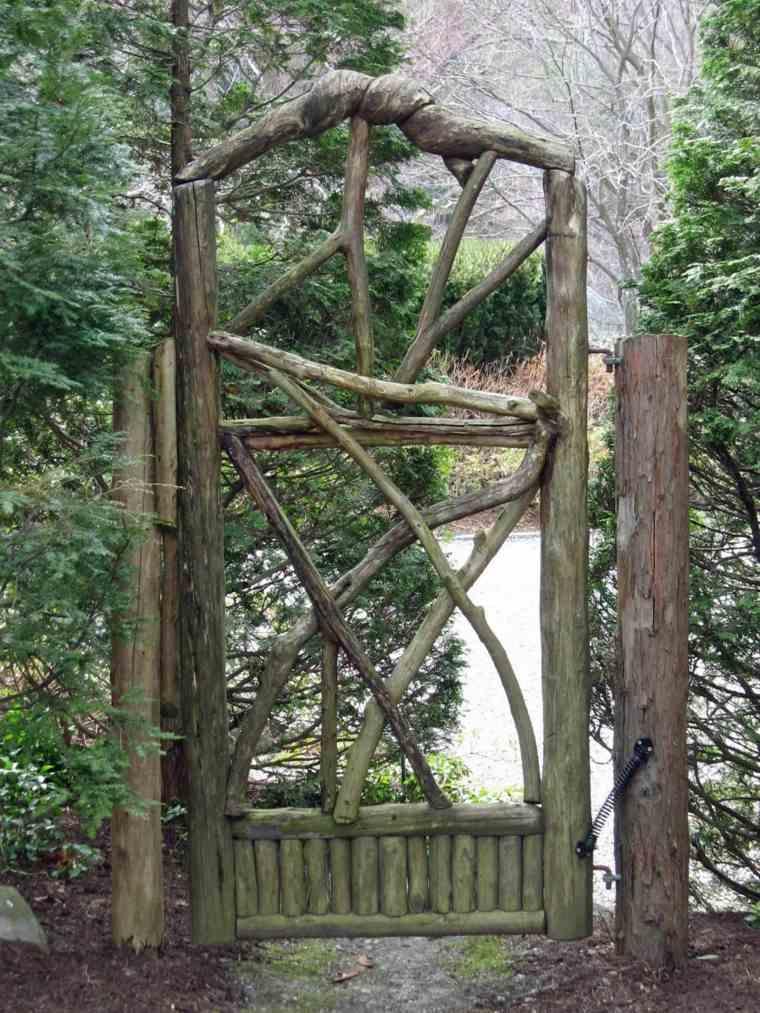 Puertas de jardin arcos verjas cancelas vallas y - Cancelas de madera ...