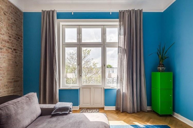 Pintura gris piso nrdico de m en gris oscuro with pintura for Pintura pared gris azulado