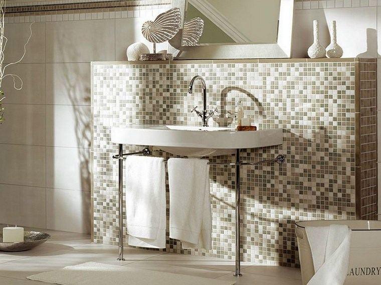 pared-detras-lavabo-bano-mosaico