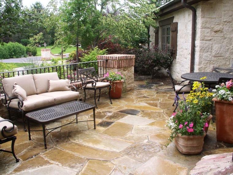 patio rústico suelo piedra