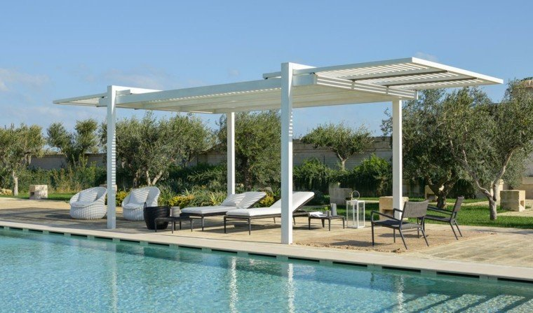 pergola moderna jardin tumbonas piscina ideas