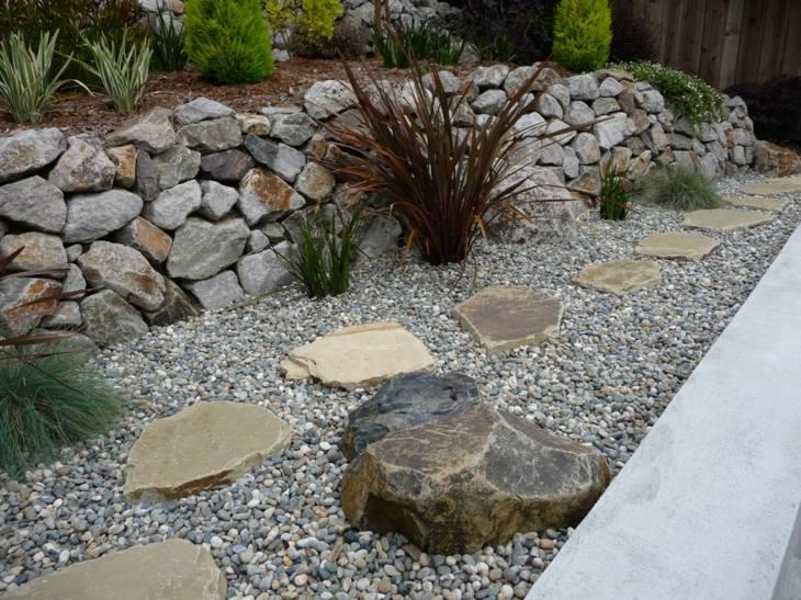 piedras para jardin hierbas soluciones senderos