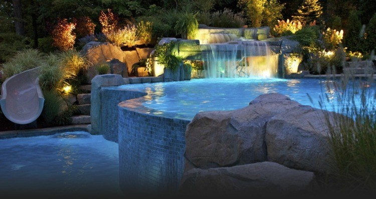 piscina caida agua jardin moderno amplio ideas