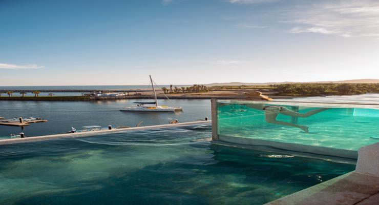 Fotos de piscinas alucinantes los dise os m s modernos for Piscina infinita construccion