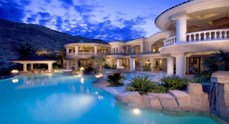 urbanización moderna piscina lujosa