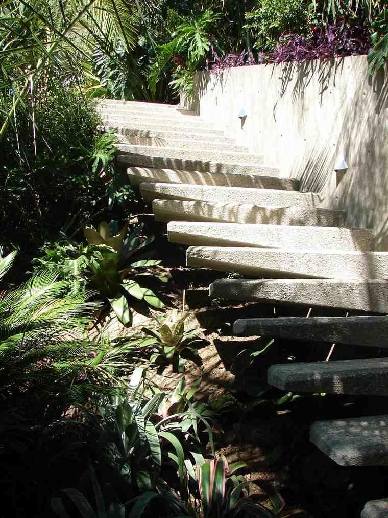 plantas escaleras casa colina ideas