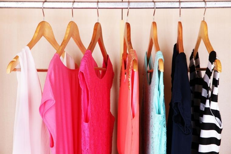 prendas ordenadas por colores