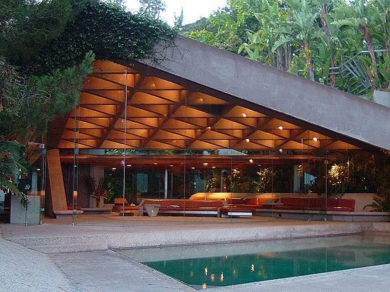 residencia colina iluminacion jardin piscina ideas