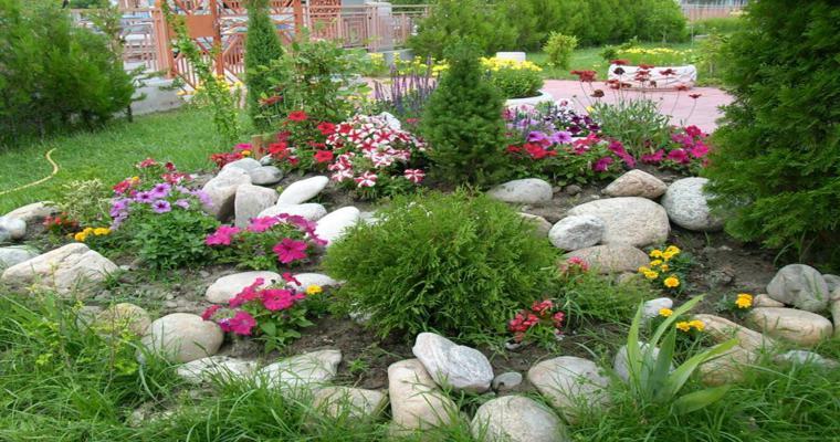 Rocalla en el jard n cincuenta ideas decorativas geniales for Plantas perennes para jardin
