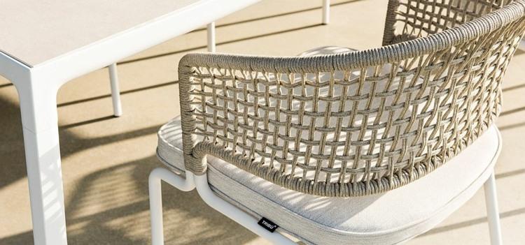 silla blanca resistente diseno moderno aire libre ideas