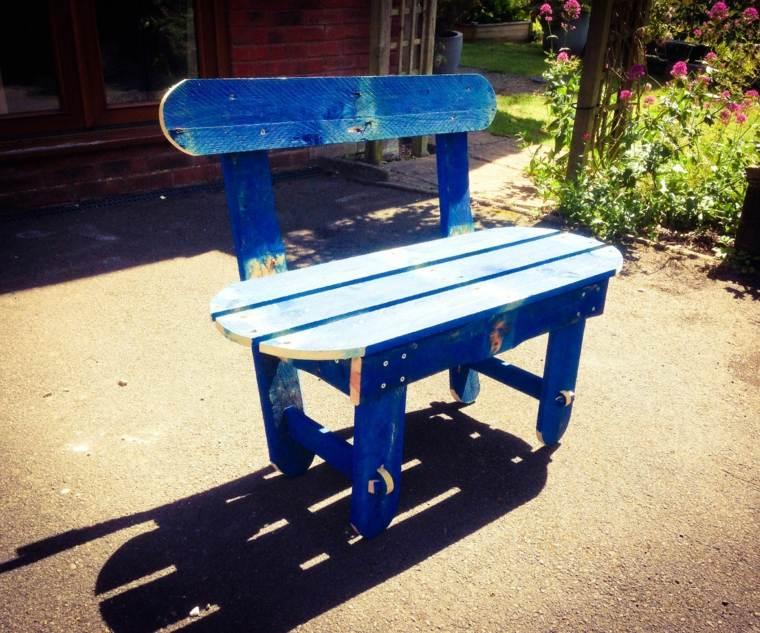 silla palet pintada azul