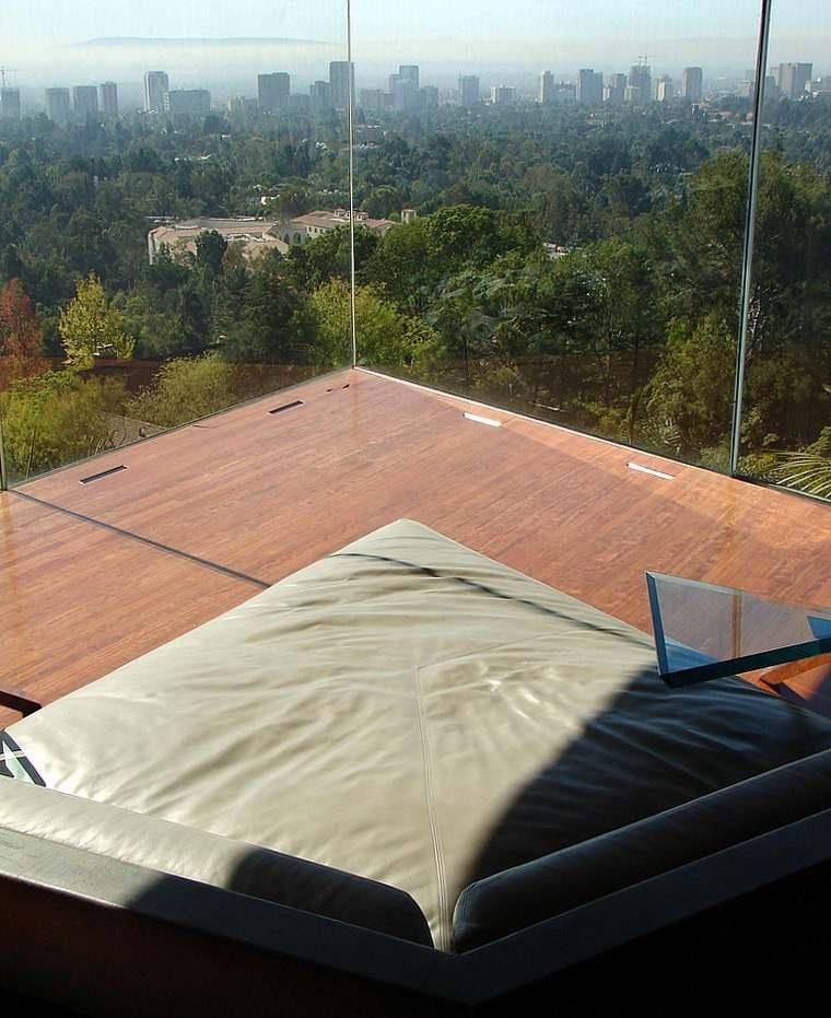 sofa diseno original dormitorio ventanales ideas