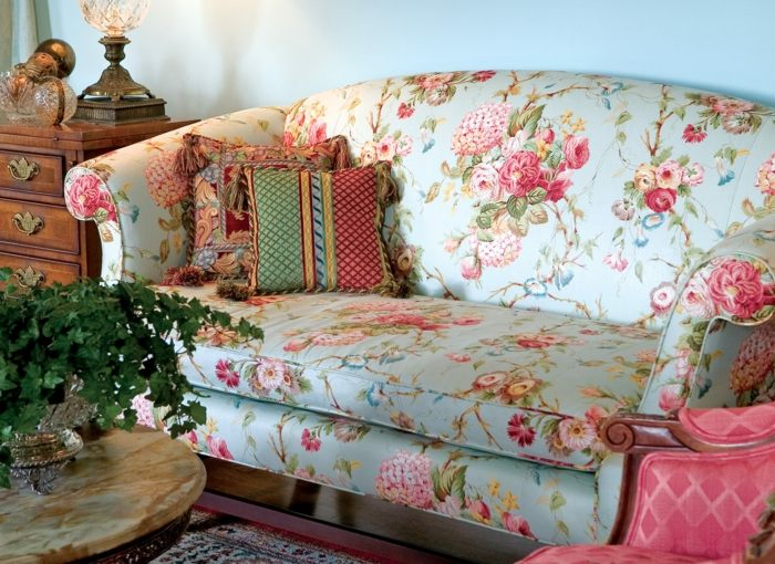 sofa perfecta salon primavera estampa floral ideas