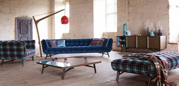 sofas mobiliario detalles azules lamparas