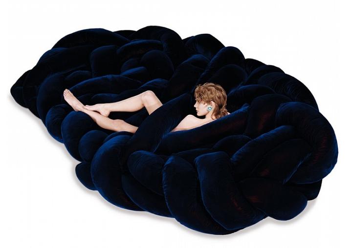 sofas mobiliario detalles mujeres condiciones