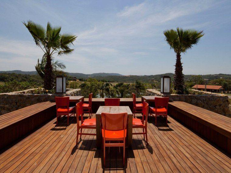 suelo madera terraza moderna muebles coloridos ideas