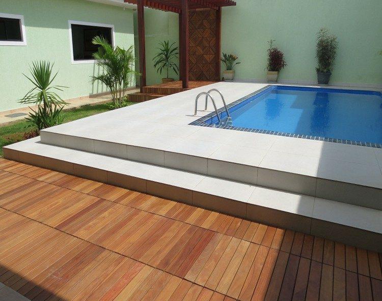 suelo madera terraza plantas piscina ideas