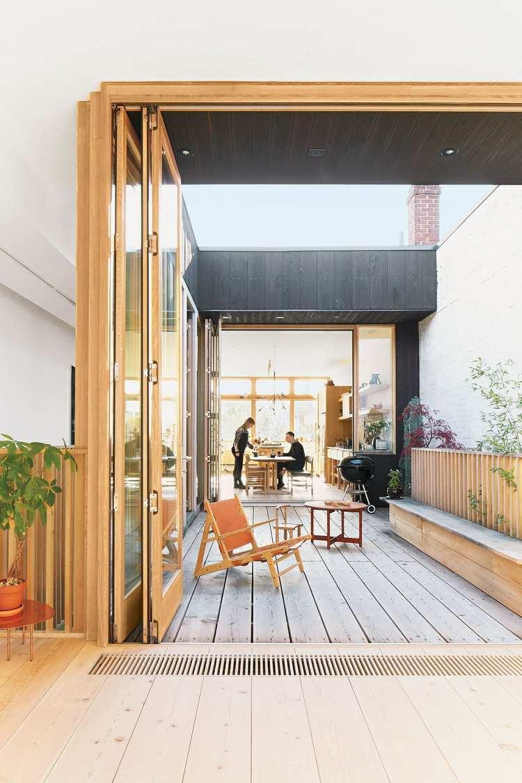 Suelos de madera 50 ideas de terrazas preciosas for Sillon terraza madera