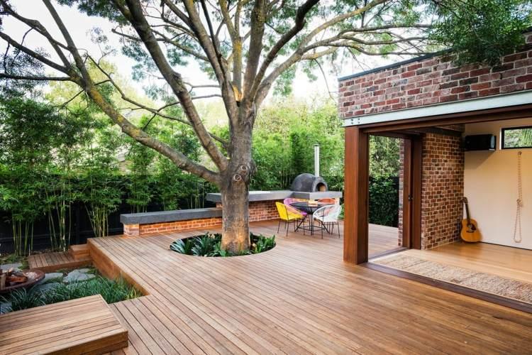 suelos de madera terraza arbol muebles colores ideas