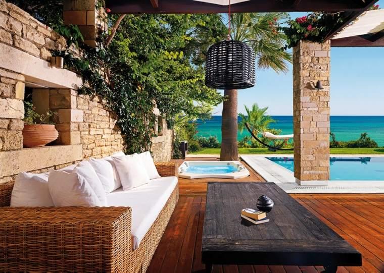 terraza grecia diseno sofa rattan mesa madera ideas
