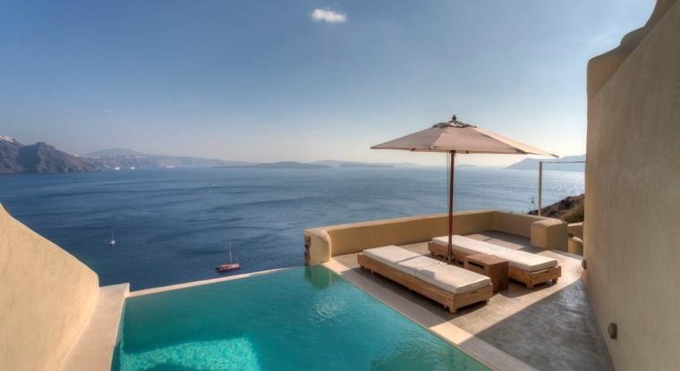 terraza grecia diseno tumbonas madera natural ideas
