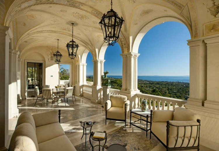 terraza lujosa color beige