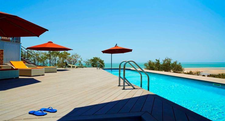 terraza moderna piscina diseño
