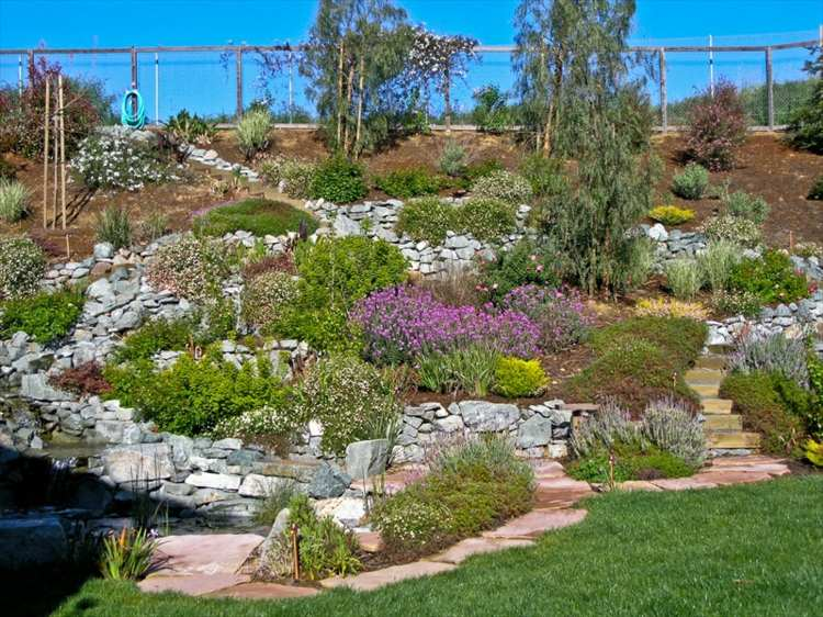 terraza jardin vegetacion piedras