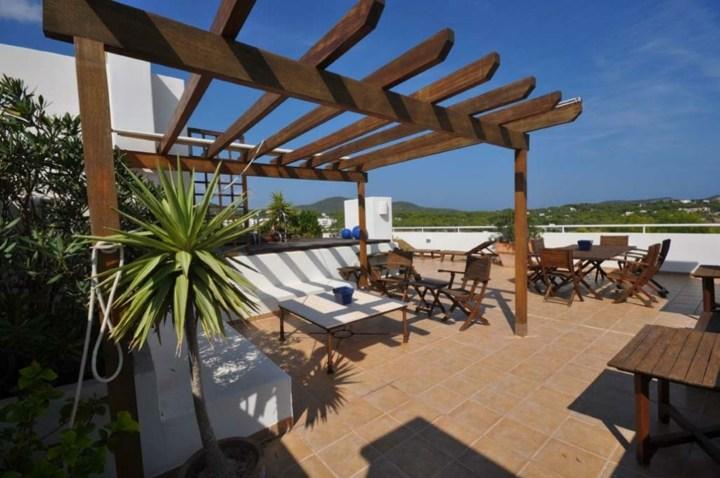 terrazas pergolas mantenidos sofas plantas