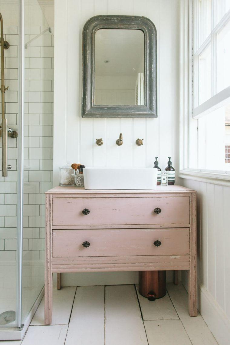 tocador de baño estilo vintage