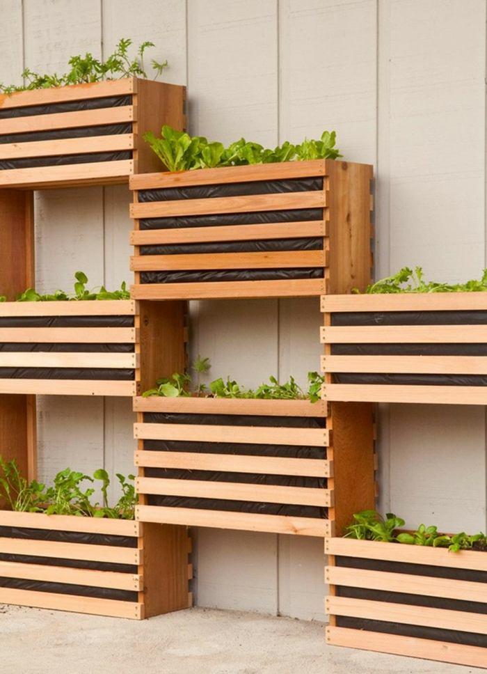 Veintidos ideas de jardines verticales y macetas colgantes for Jardines verticales con madera