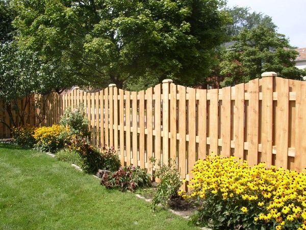Arbustos de jardin consejos e ideas originales - Valla madera jardin ...