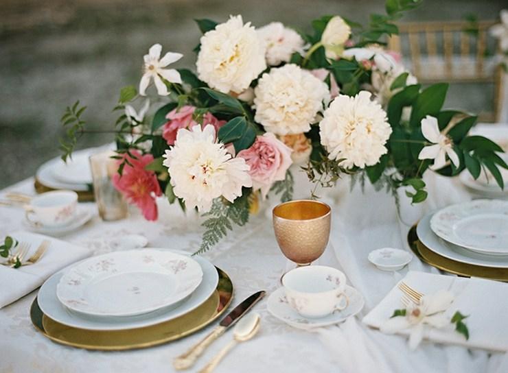 arreglos florales forma perfecta complementar mantel flores bonitas ideas