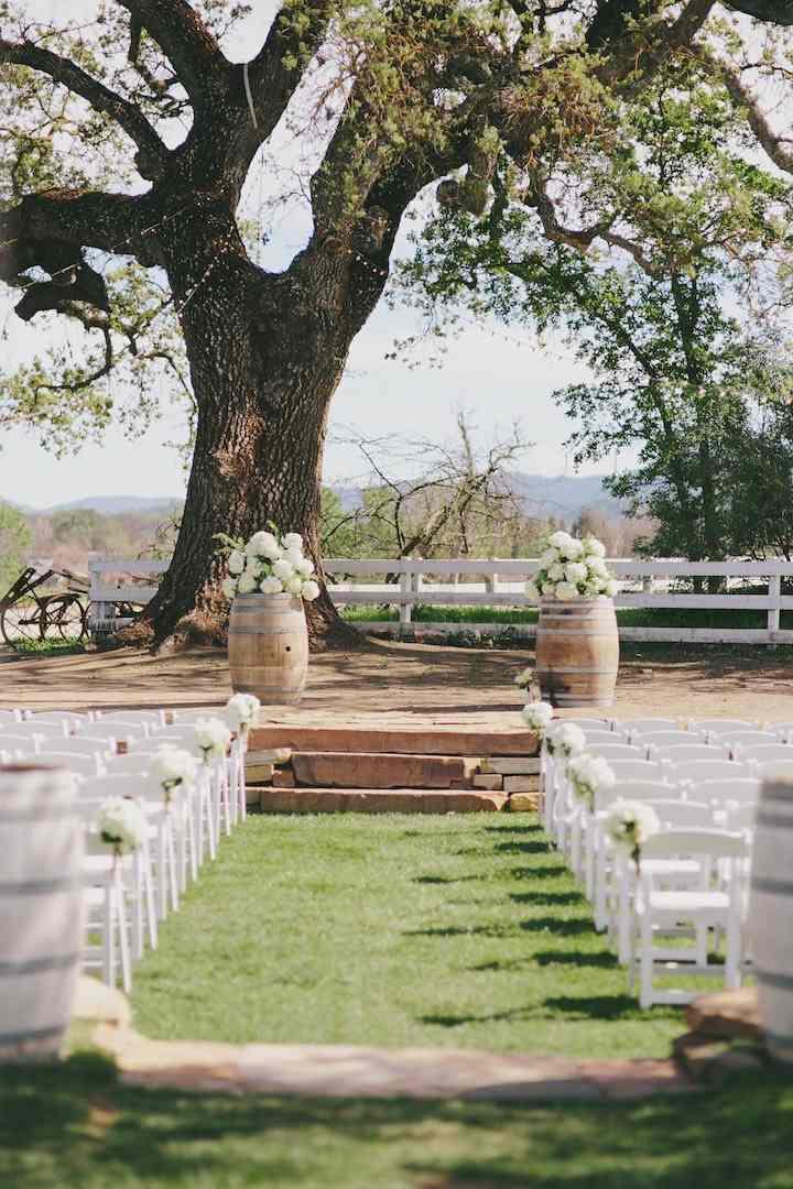 bodas primaverales opciones decoracion camino altar ideas