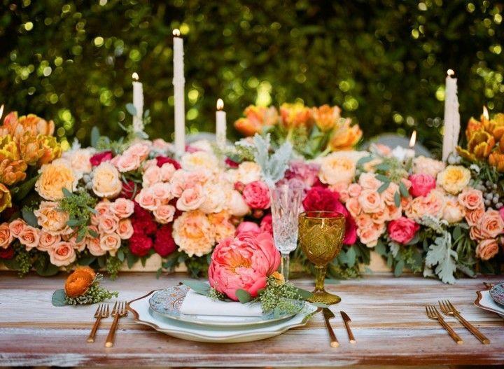 bodas primaverales opciones decoracion centro mesa colorido floral ideas