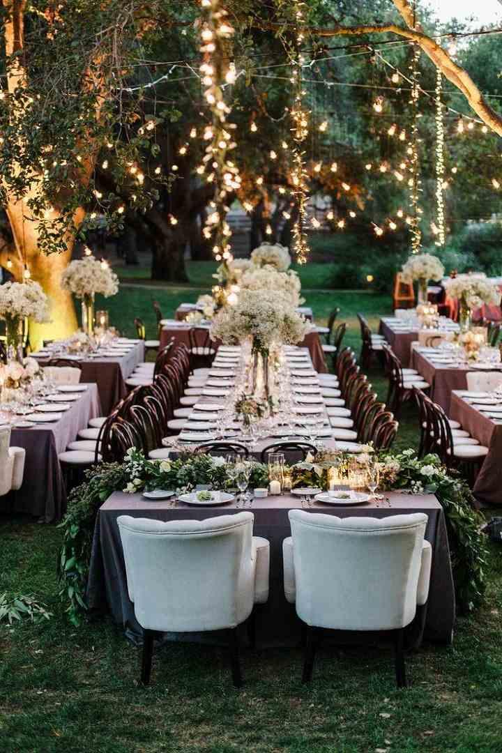 bodas sillas aire libre luces flores ideas