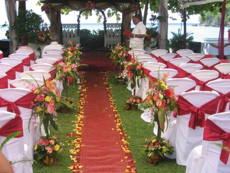 bonita decoración altar boda