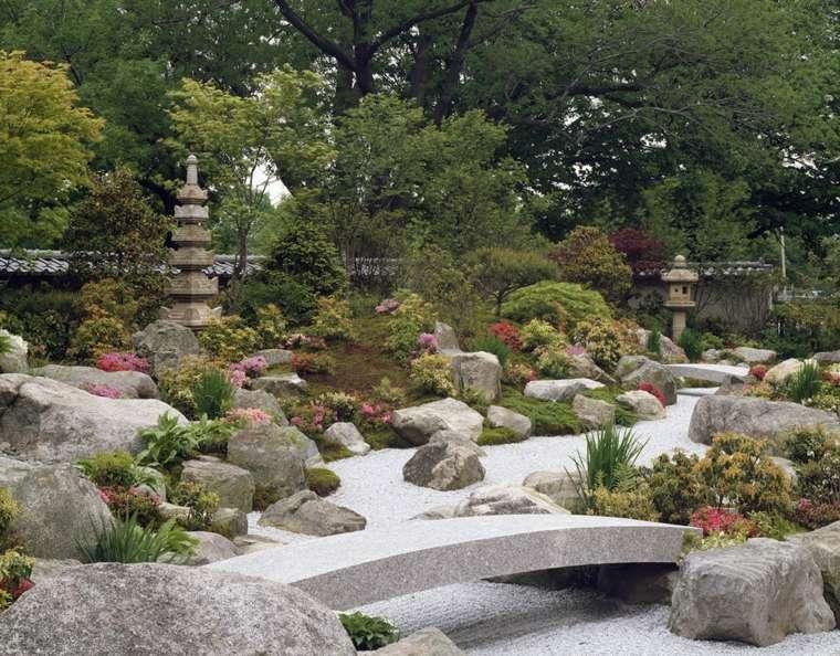bonito diseño jardin puente