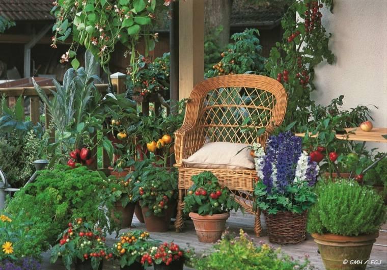 bonito huerto porche terraza silla