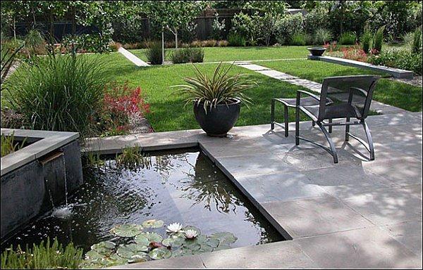 caidas agua jardin cesped tumbona ideas