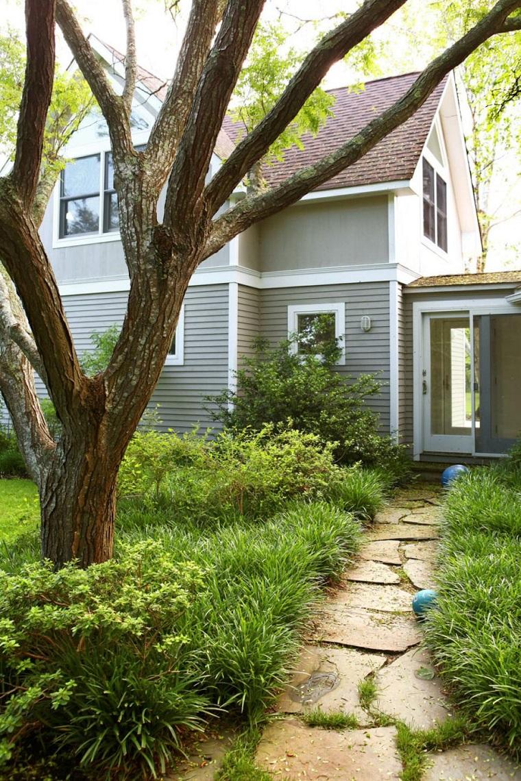 caminos jardin cesped plantas entrada Cecilia Dupire ideas