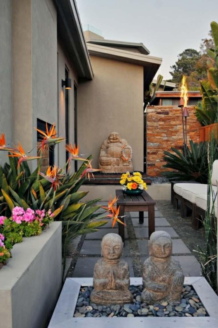 casa jardin consejos fotos estatuas flores ideas