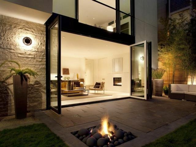 casa moderna jardin trasero lugar fuego suelo ideas