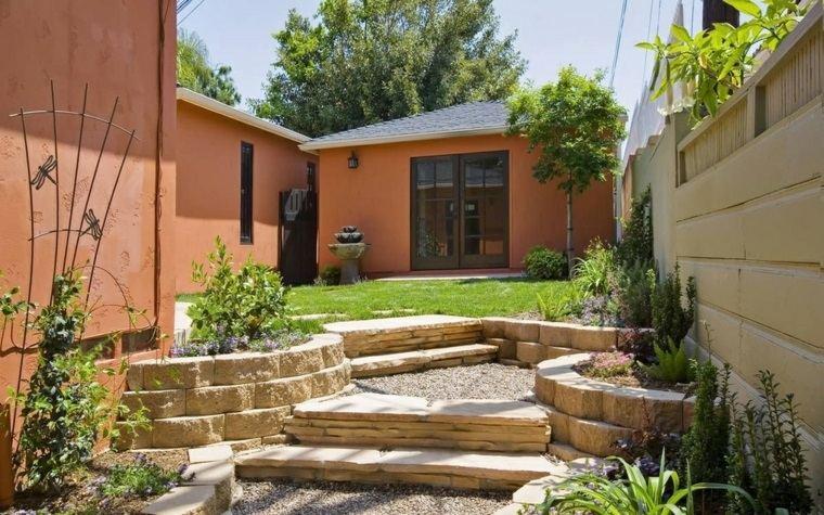 casa y jardin consejos fotos jardin niveles escaleras piedra ideas