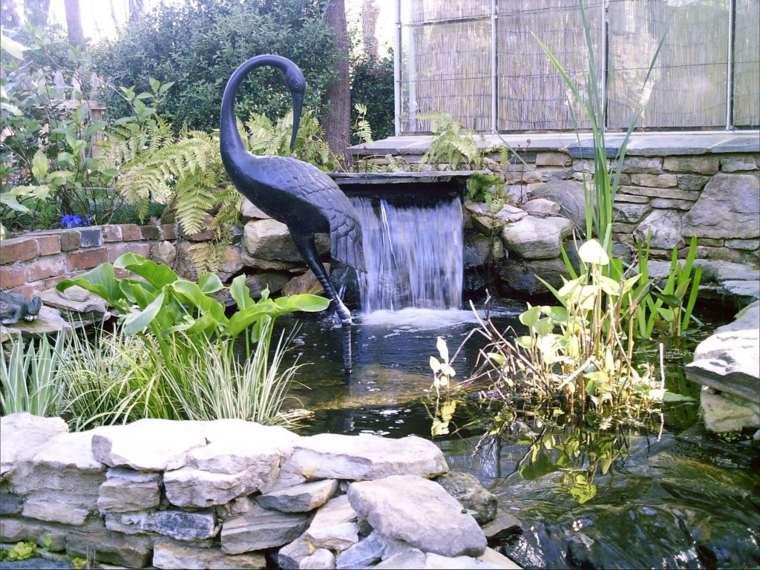 Cascadas y fuentes de jard n modernas 42 ideas estupendas for Estanque cascada