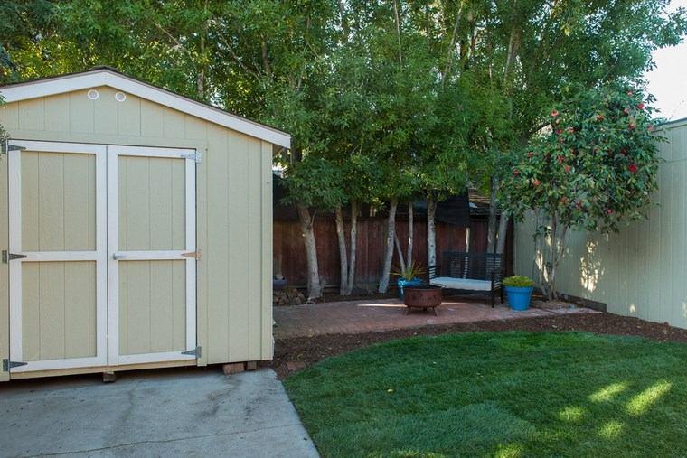 casetas madera jardin cesped arboles ideas
