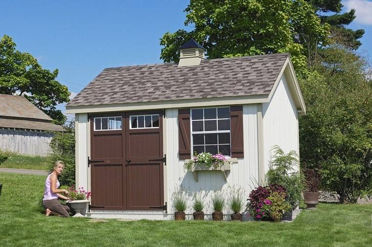 casetas madera jardin puertas marrones ideas