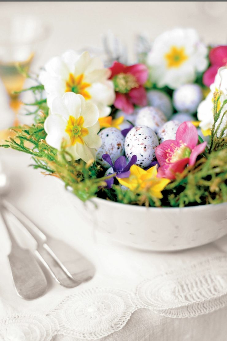centro mesa flores primavera plato hondo blanco ideas