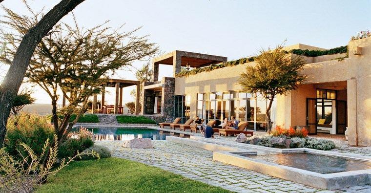 construccion de piscinas diseno original jardin dos ideas