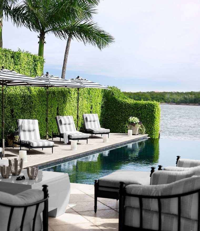 Construccion de piscinas 24 espacios de relax en el jard n for Pool room design uk